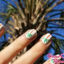 Знойное очарование маникюра с тропическими пальмами