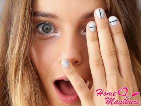 Полоски в маникюре – современный модный тренд