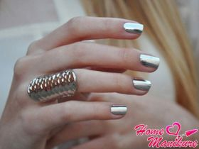 Сверкающая роскошь дизайна ногтей с фольгой