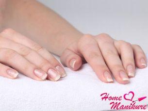Борьба с белыми точками на ногтях