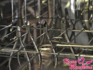 Важность стерилизации маникюрных инструментов