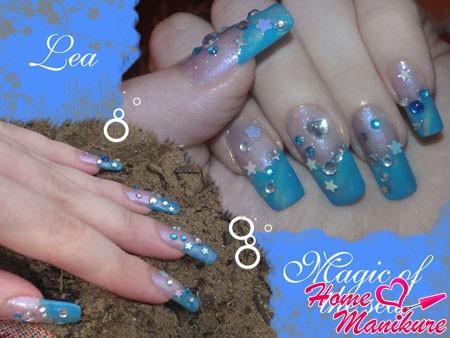 голубой морской дизайн со стразами