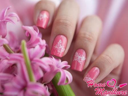 бабочки на ногтях с помощью стемпинга