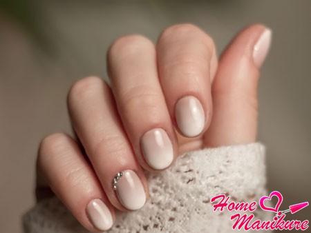 бежевые нежные ногти