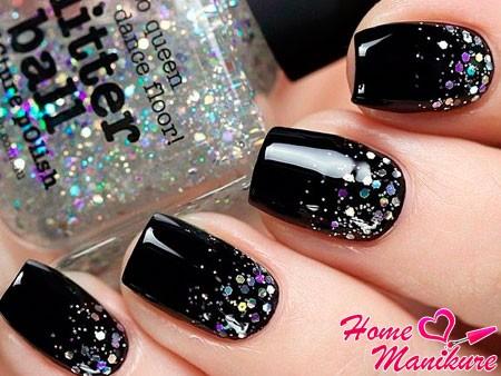 блестки на черных ногтях