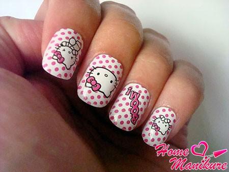 маникюр в стиле Hello Kitty