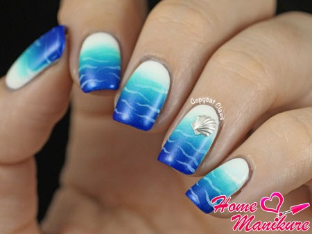 дизайн ногтей на море