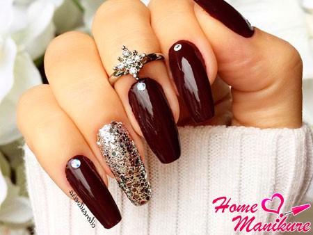 длинные бордовые ногти