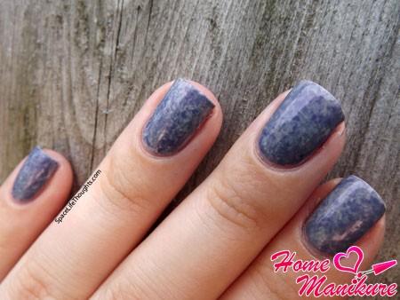 эффект грязного мрамора на ногтях
