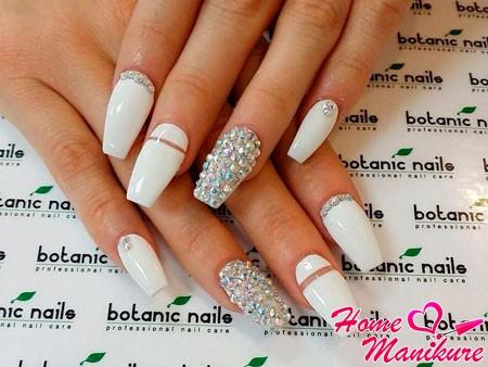 элегантный белый маникюр