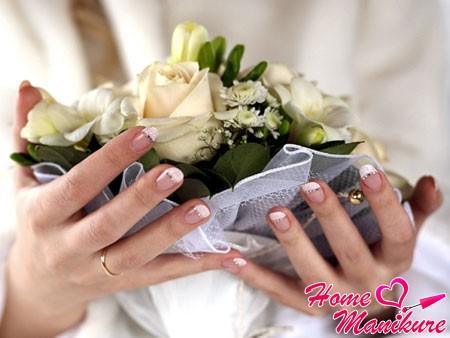 элегантный французский маникюр на свадьбу