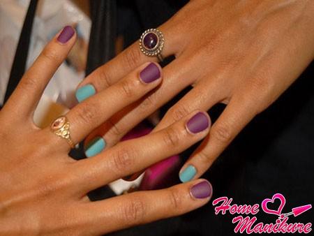 фиолетово-голубые ногти