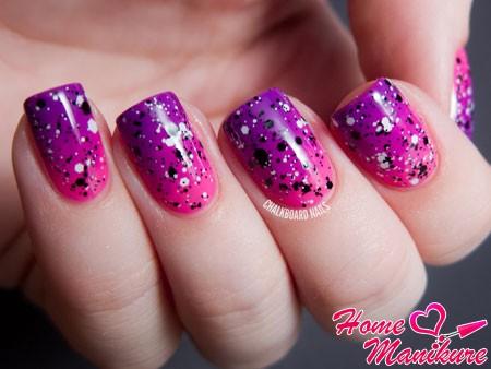 глиттерный лак на градиентных ногтях