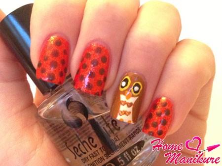 гороховый дизайн ногтей с совой