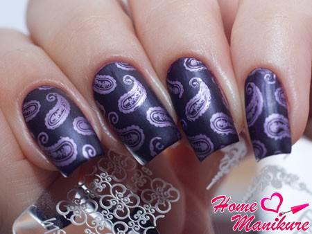 интересный дизайн ногтей с диском от Lesly