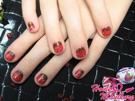 клубничный дизайн ногтей для девочек