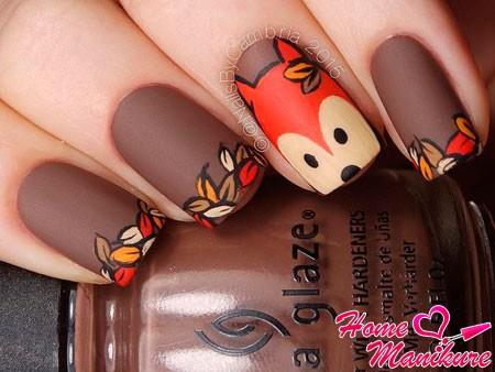 коричневые ногти с лисенком