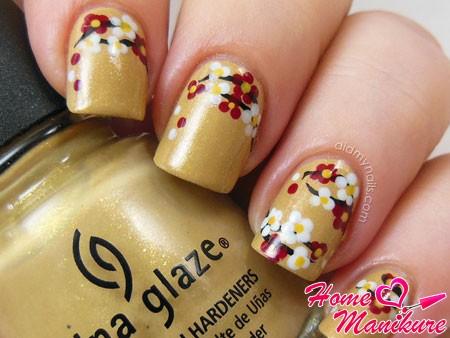 красивая цветочная композиция на ногтях