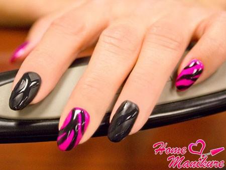 красивый черно-розовый дизайн ногтей