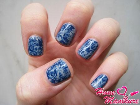 красивый дизайн на коротких ногтях