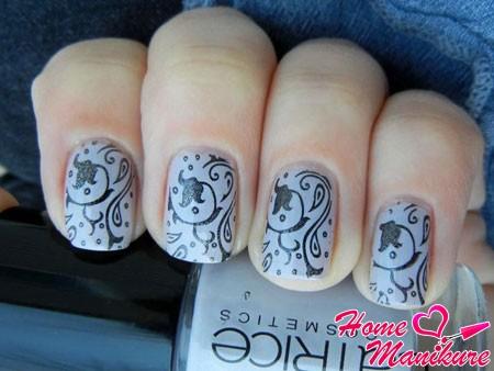 Стемпинг дизайна ногтей