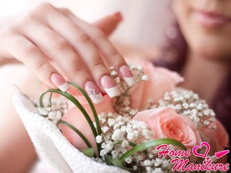 Лучшие идеи свадебного французского маникюра