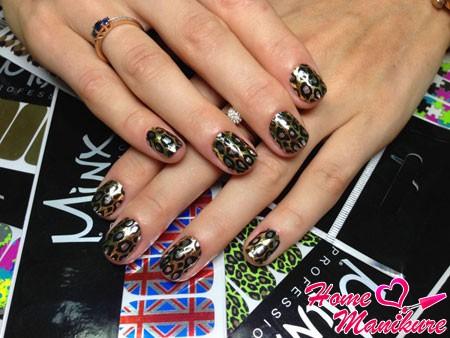 леопардовые наклейки на ногти Minx