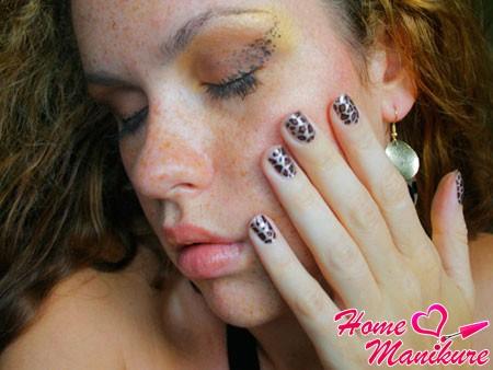 Леопардовое украшение истинной женщины