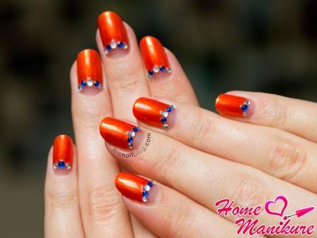 лунный оранжевый маникюр
