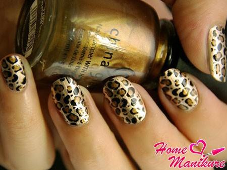 маникюр леопард на основе лака china glaze