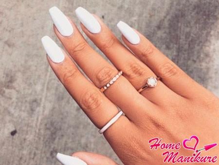 матовые белые ногти