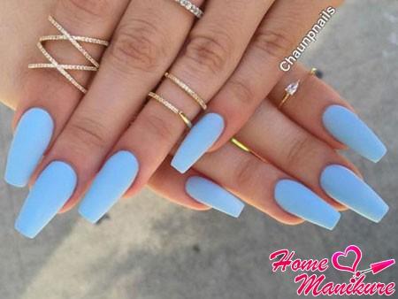 матовые голубые ногти