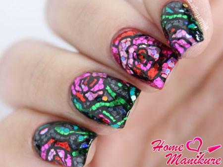 мозаика блестками на ногтях
