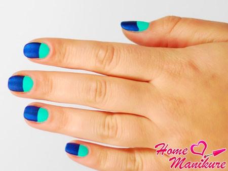 мятно-синий дизайн ногтей