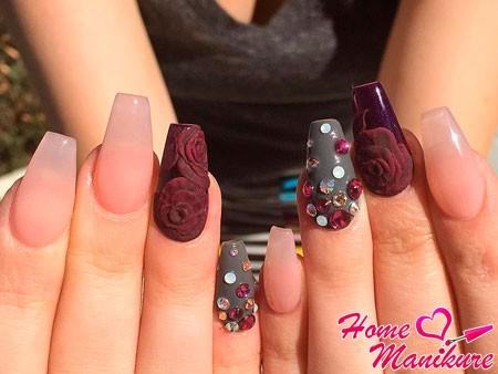 нарощенные ногти с декором