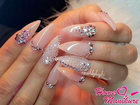 нарощенные нюдовые ногти