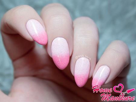нежный розовый градиент