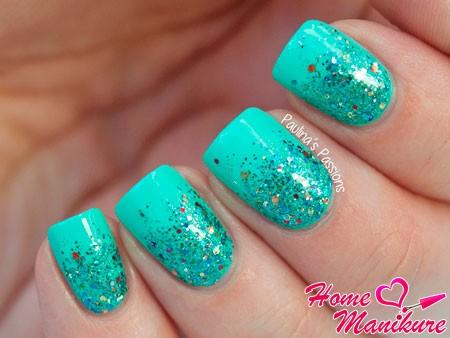 ногти бирюзового цвета