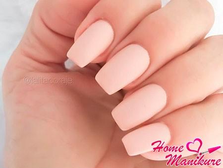 ногти персикового оттенка