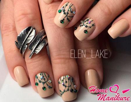 очень необычный дизайн ногтей