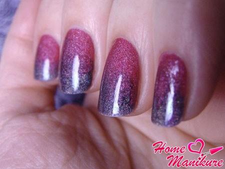 омбре маникюр в фиолетовых тонах