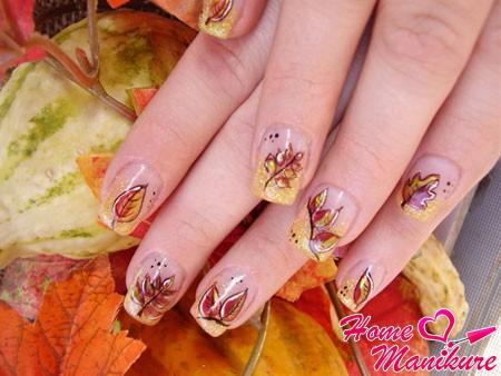 дизайн ногтей с опавшими листьями
