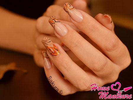 осенний французский маникюр на длинных ногтях
