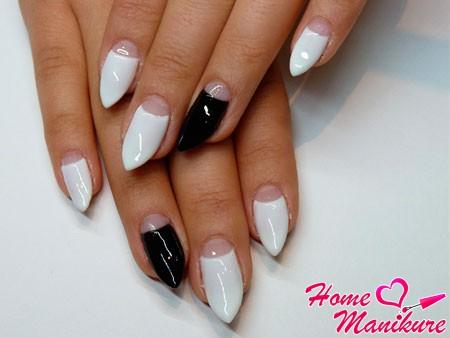 острые бело-черные ногти