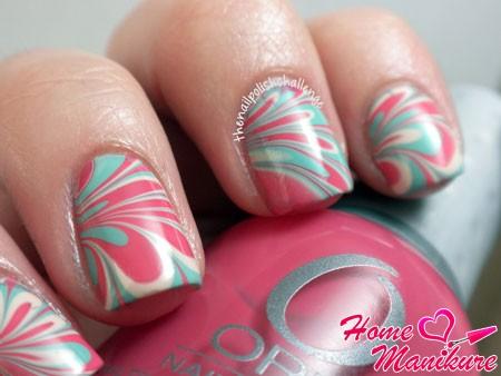 приятный розово-голубой дизайн
