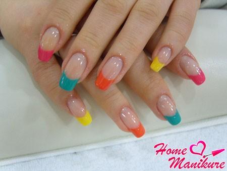 разноцветные улыбки французского дизайна ногтей