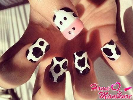 рисунок коровы на детских ногтях