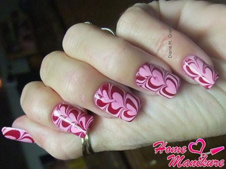 романтичный водный дизайн на ногтях