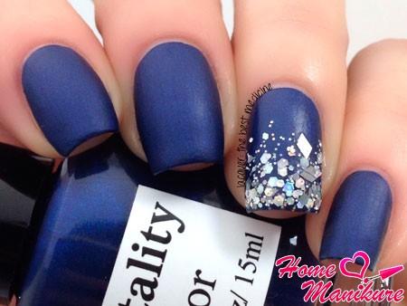синий матовый дизайн с блестками