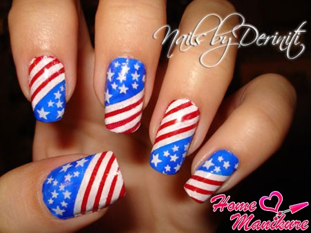 стильный флаг США на ногтях